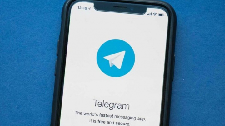 Telegram iOS WhatsApp status
