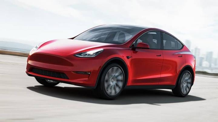 Tesla Model Y Chargepoint circula estradas