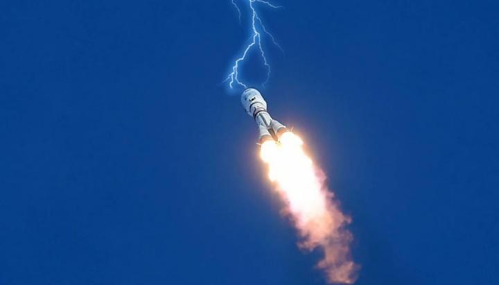 Imagem ilustrativa de raio de trovoada a atingir nave espacial da Rússia