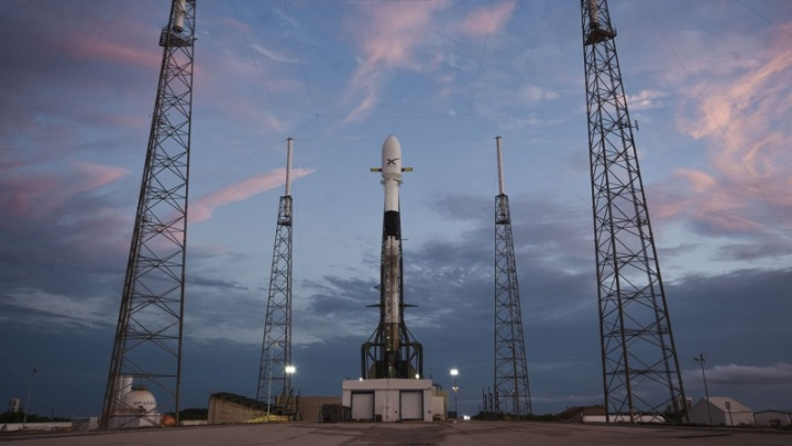 SpaceX Elon Musk Starlink satélites Falcon 9