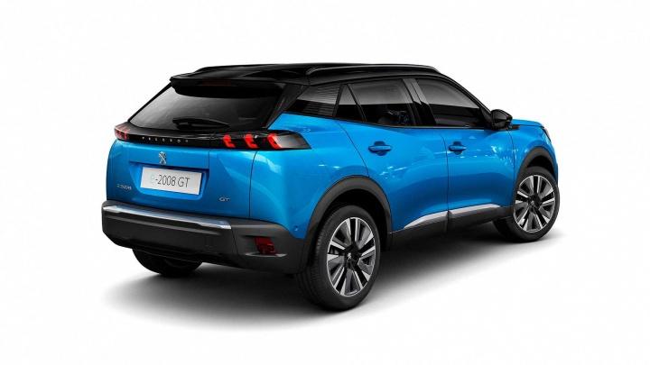 Peugeot e-2008 chega com motor de 100 kW e bateria de 50kWh