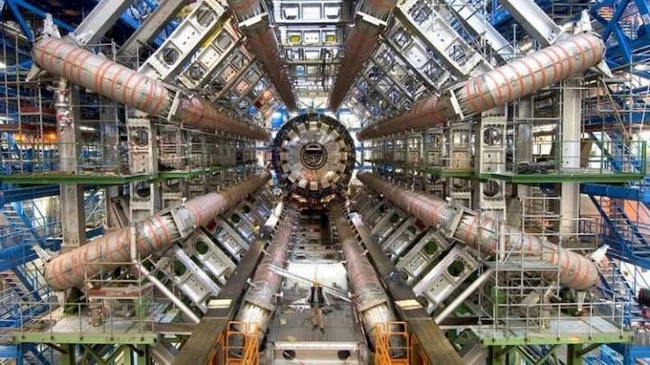 CERN muda para Open Source! Saiba qual a razão