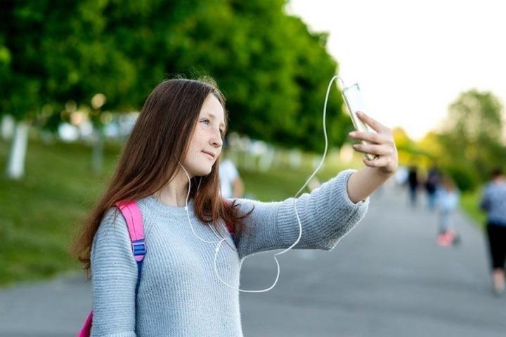 Estudo: Um quarto dos jovens tem problemas devido ao uso da Internet
