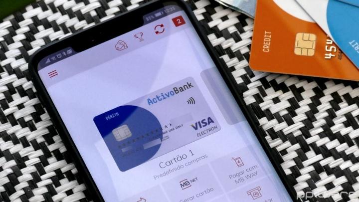 Como usar o smartphone e o MB WAY para pagar compras no supermercado?