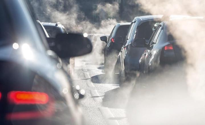 França vai proibir a venda de carros a gasóleo e a gasolina