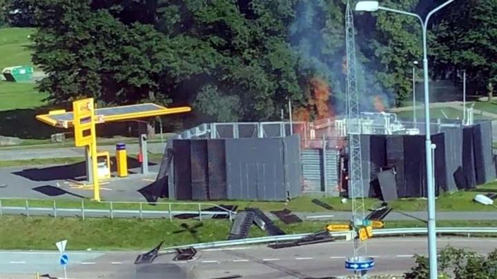 Imagem estação de hidrogénio que explodiu na Noruega. Toyota e Hyundai já agiram