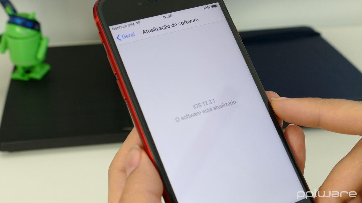 20b3de17f43 ... o iPhone 8 conta também com um processador considerado ainda de grande  qualidade o Apple A11 Bionic, o mesmo que equipa o iPhone X. O bom  desempenho, ...