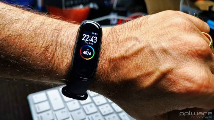 Xiaomi Mi Band 4 wearable smartband