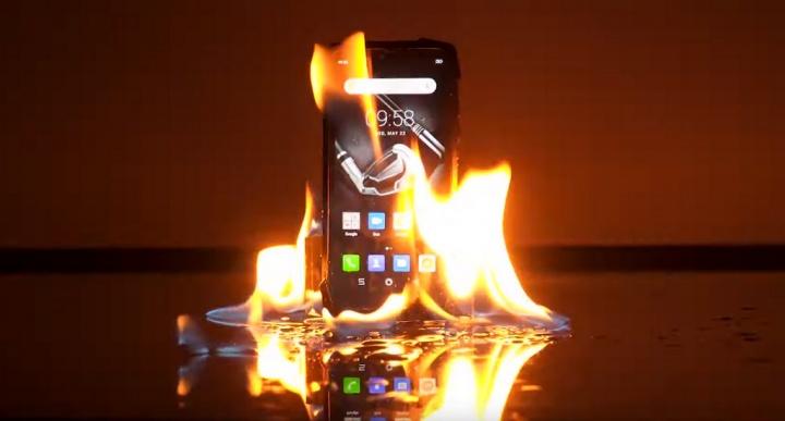 Água, fogo, quedas... Até onde pode ir a resistência do smartphone Android Blackview BV9700 Pro