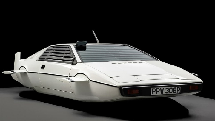 Elon Musk: Tesla está a trabalhar num carro submarino estilo James Bond - Imagem do Lotus Esprit de 1976 usado no filme de James Bond The Spy Who Loved Me
