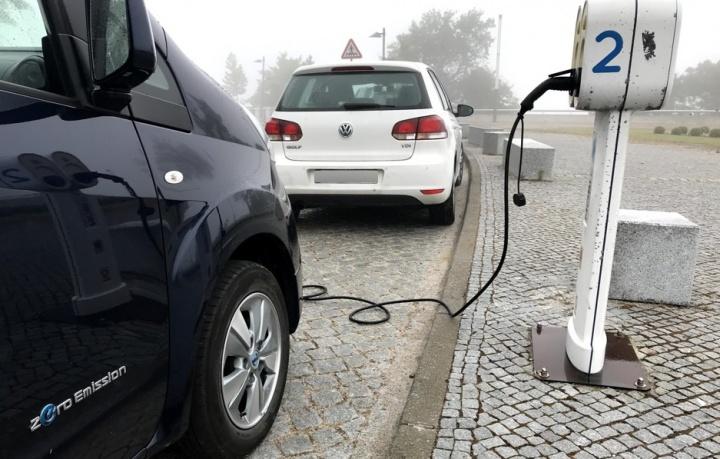 Empresas do Estado podem substituir frota por carros elétricos a partir de sexta-feira