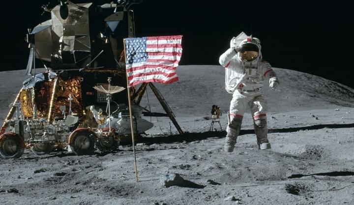 Imagem Apollo 11 pousado na Lua