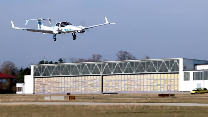 avião aterrar autónomos GPS dimensões