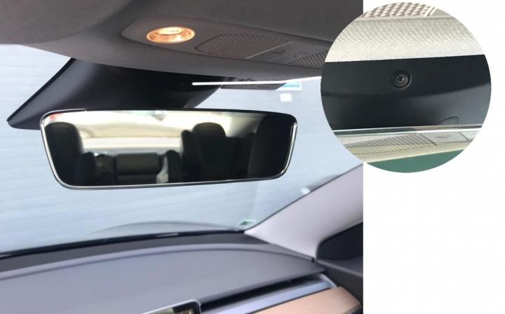 Imagem Tesla Model 3 com câmara interior