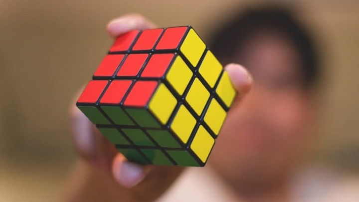 Inteligência Artificial Cubo Rubik sistema