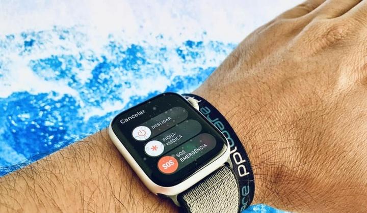 Imagem Apple Watch com sistema SOS Emergência