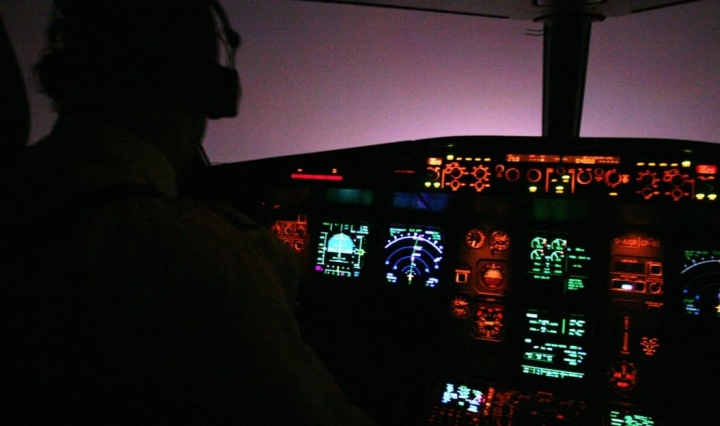 Nollfile a complaint with ANAC for excessive night flight