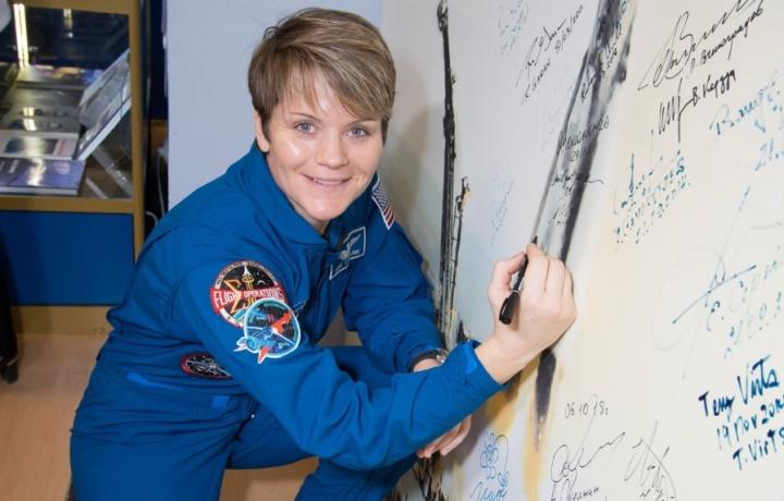 Primeiro crime cometido a partir do espaço? NASA está a investigar