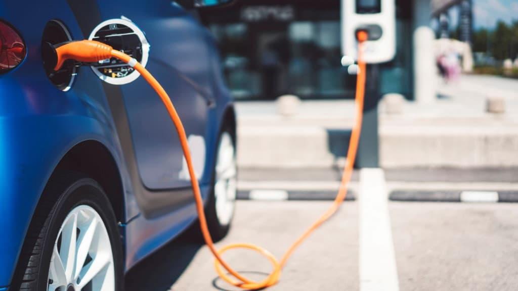 eletricos desvalorizam carros híbridos combustão