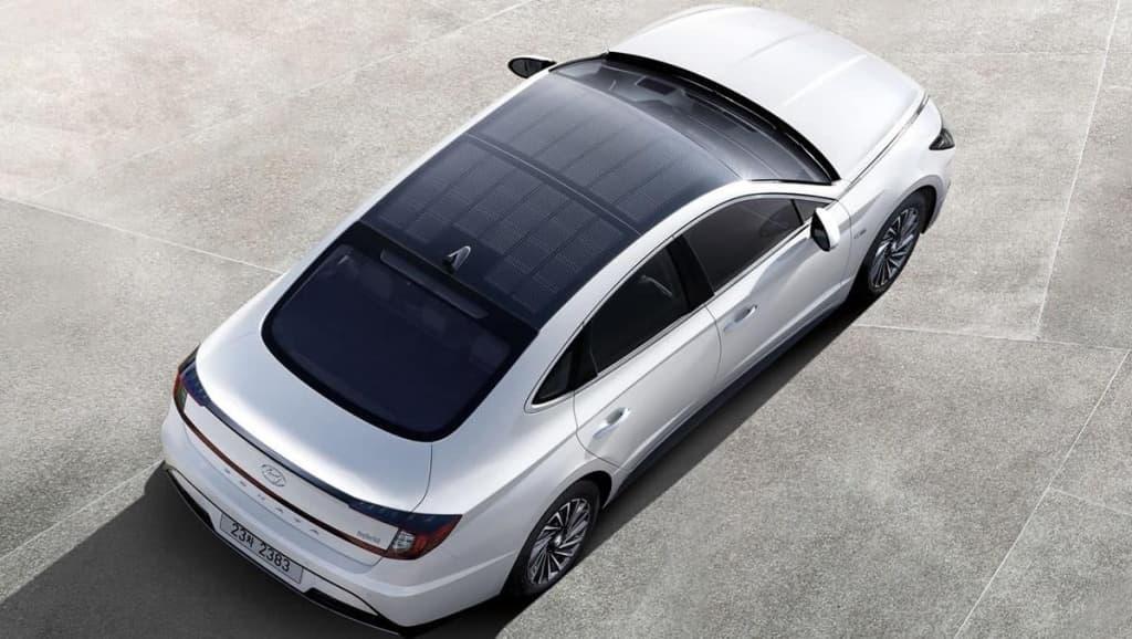 Imagem Hyundai híbrido com painéis solares a parecer os elétricos