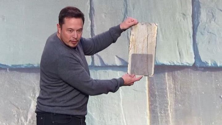 Walmart processa Tesla depois de painéis solares nas lojas se incendiarem - Elon Musk