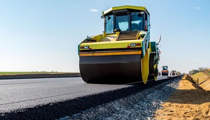 Imagem da colocação de asfalto que poderá vir a ter grafeno