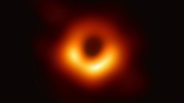 Imagem de buraco negro resulta em prémio de 2,7 milhões de euros
