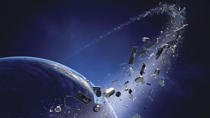 Imagem da Terra e do lixo no espaço que existe na sua órbita. NASA