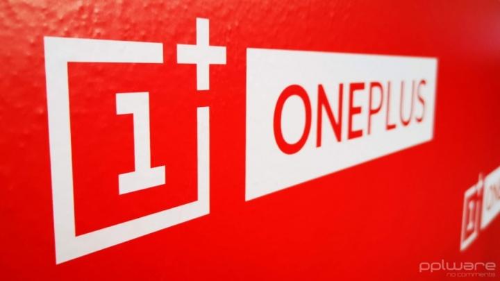 OnePlus Facebook smartphones bloatware apps