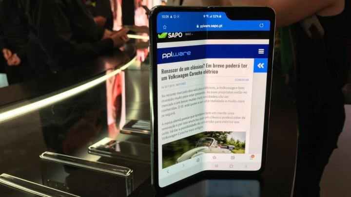 Galaxy Fold ecrã Samsung problemas
