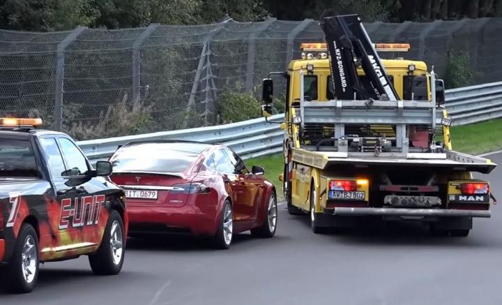 Porsche Taycan vs Tesla Model S... O reboque que os separa [vídeo]