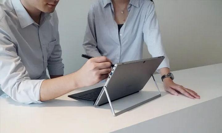 Chuwi UBook Pro - O computador portátil inspirado no Surface Pro que também é um tablet