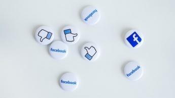 Utilizadores passam menos 26% tempo a usar o Facebook do que em 2017