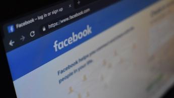 Facebook muda interface e design do seu website... E estreia o dark mode!