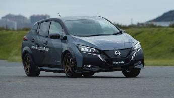 Nissan está a desenvolver um carro elétrico bem mais potente, com dois motores e 4WD