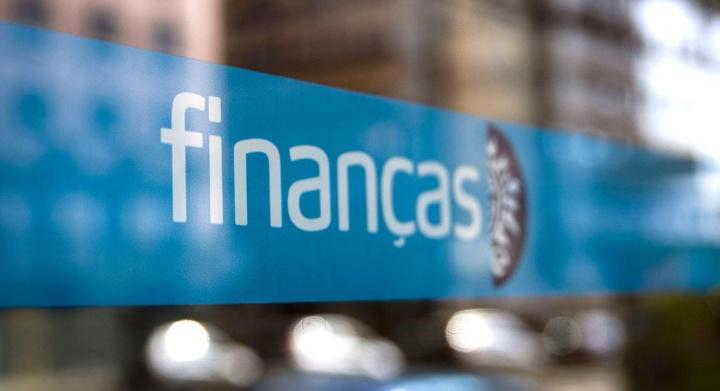 Alerta: Há uma SMS fraudulenta a circular em nome das finanças