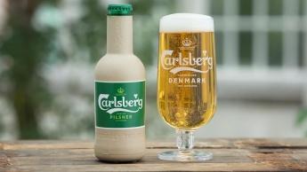 Imagem garrafa de papel da cerveja carlsberg