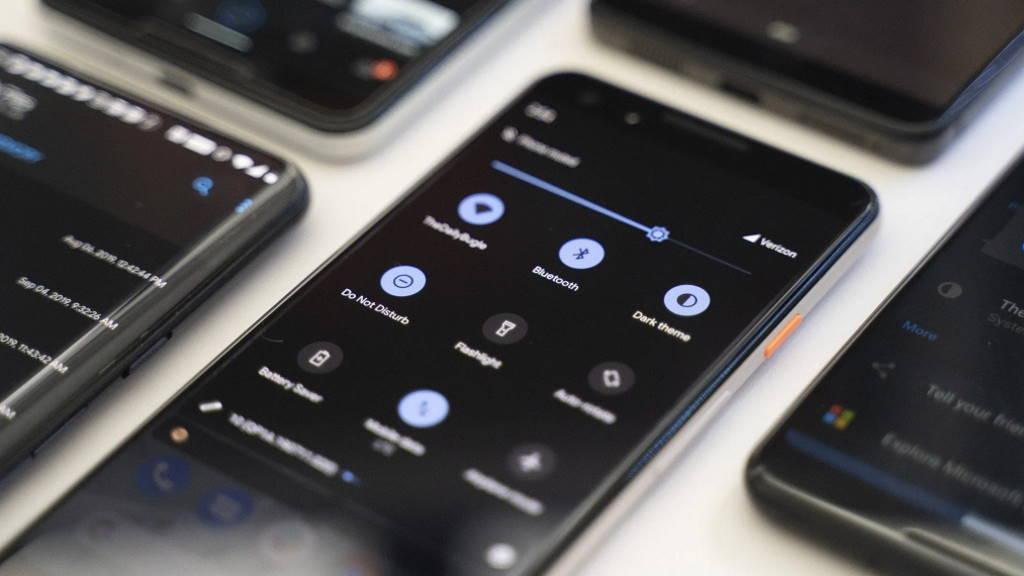 Dark Mode Android app smartphone modo escuro