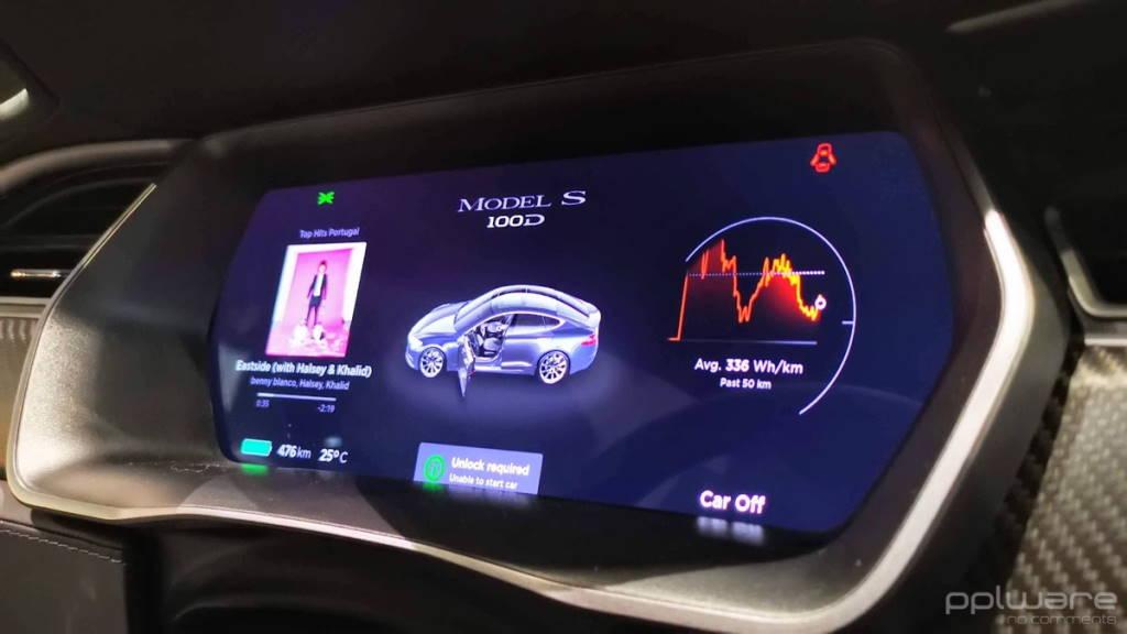 Tesla som buzina carros Elon Musk