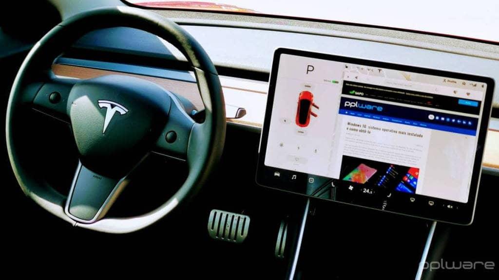 Elon Musk Tesla carros elétricos condução autónoma