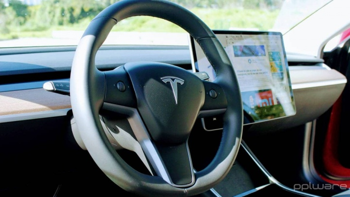 Tesla self-driving price-enhanced autopilot cars