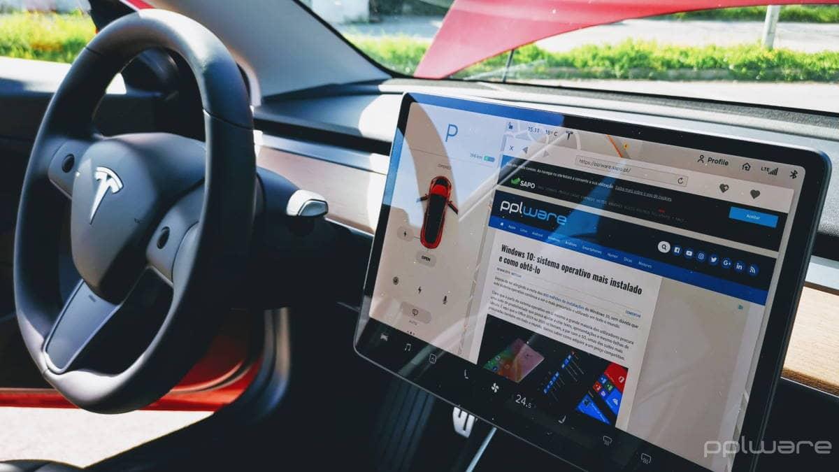 Tesla Model 3 atualização software Elon Musk