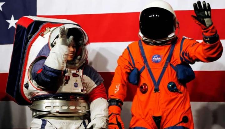 Imagem da apresentação pela NASA NASA dos novos fatos espaciais para voltar à Lua
