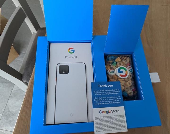 Google Pixel 4 caixa de cereais