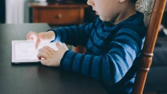 smartphone criança loja apps Android