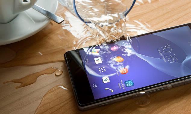 Há seguros para smartphones inúteis! É dinheiro deitado fora...
