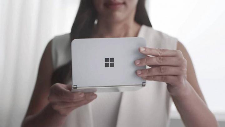 Microsoft confirma que irá implementar uma câmara de classe mundial no Surface Duo