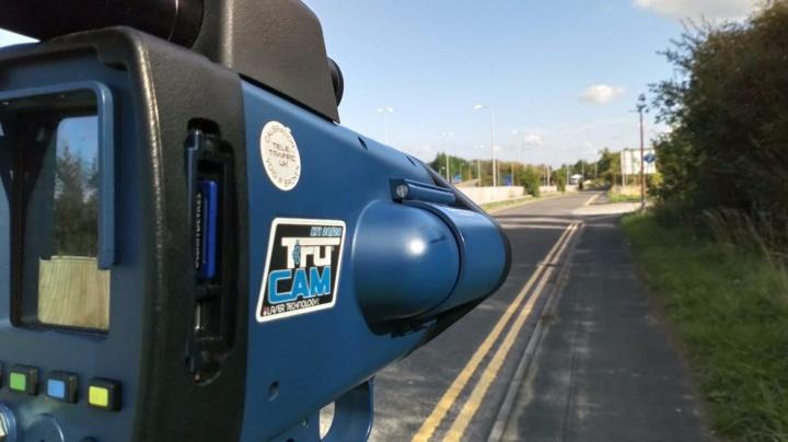 Novo radar de velocidade é capaz de caçar infratores a uma distância de 1,5 Km