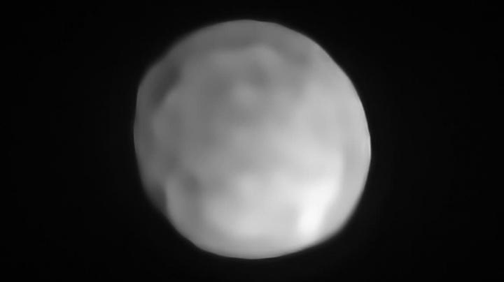Imagem do Hígia, provavelmente o planeta anão mais pequeno do Sistema Sola