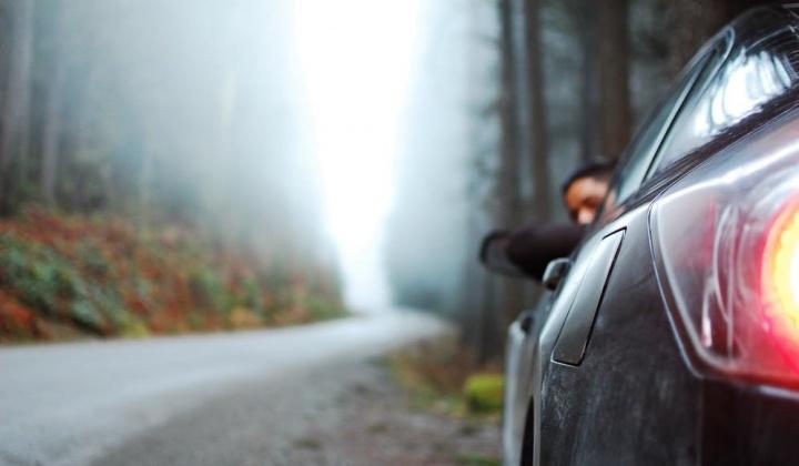 Código da Estrada: Pode circular com luzes fundidas?